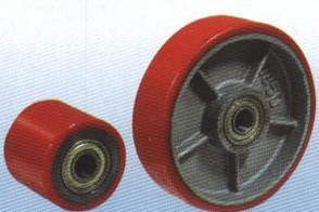 Колеса (чугунный обод, полиуретановое покрытие,  шарикоподшипник) и ролики подвилочные (стальной обод, полиуретановое покрытие, шарикоподшипник)   для гидравлических тележек  (P70+1 (018))